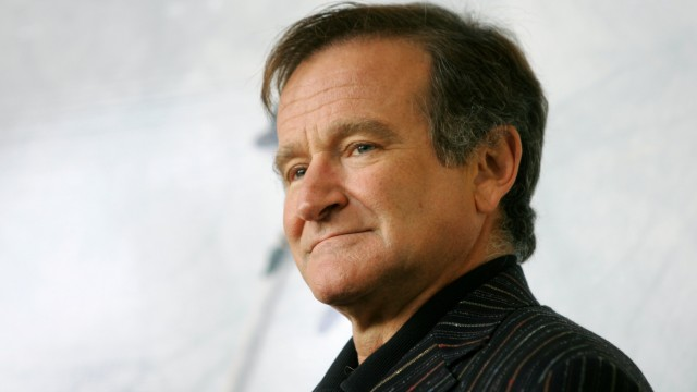 U.S. actor Robin Williams poses for photographers during a photo call in Rome