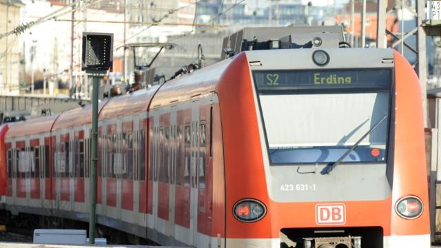 Öffentlicher Nahverkehr Ausbau derS-Bahn