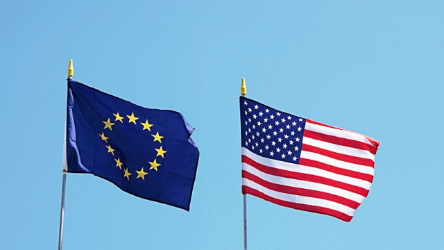 USA and EU flags; USA EU Flaggen