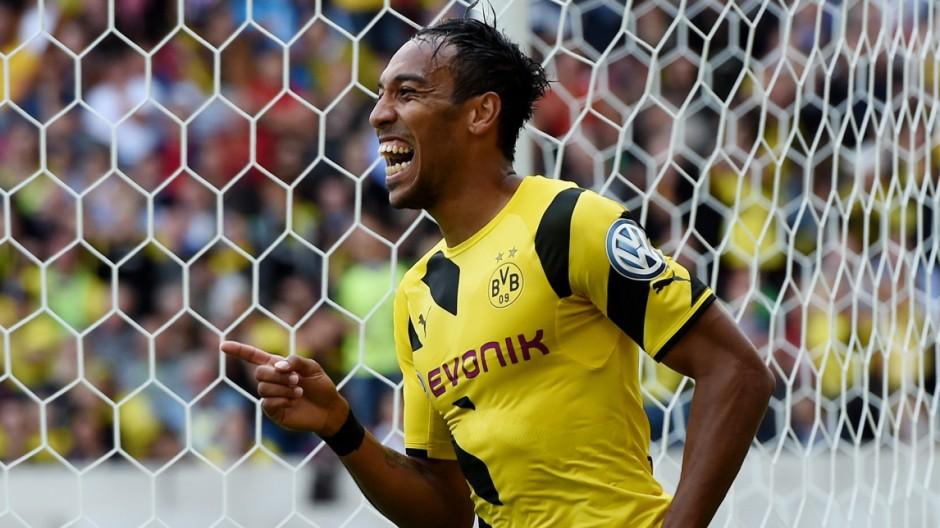 Stuttgarter Kickers v Borussia Dortmund - DFB Cup