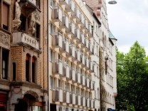 Thalkirchner Straße 9 mit den vielen Mini-Balkonen, das wird ein Flüchtlingswohnheim