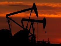 Energie: Hoher Ölpreis lässt Verbraucher ächzen