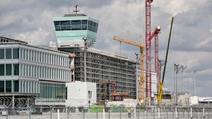 Auf dem östlichen Vorfeld des Flughafens München entsteht der neue Satellit.