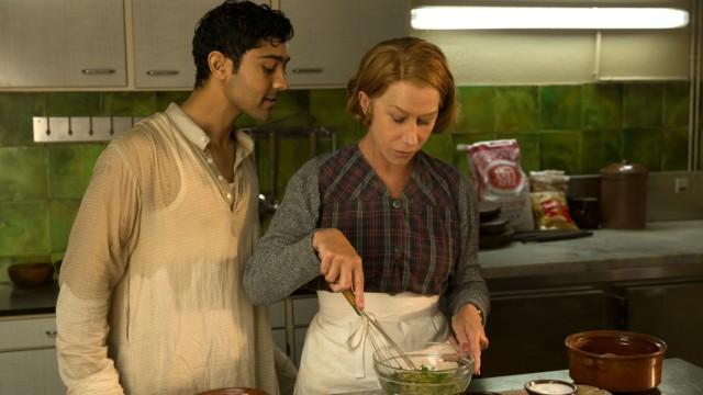 """Helen Mirren und Manish Dayal in """"Madame Mallory und der Duft von Curry"""""""