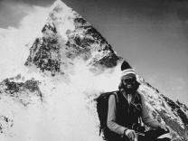 Reinhold Messner beim Aufstieg auf den K-2