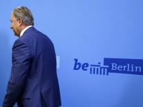 Klaus Wowereit Announces Resignation