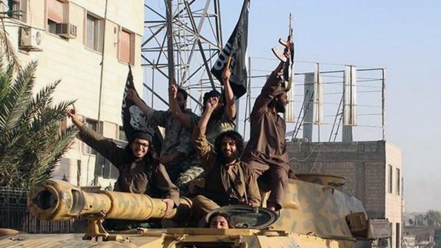 IS-Kämpfer in Rakka, Syrien