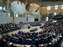 Sondersitzung Bundestag - Angela Merkel