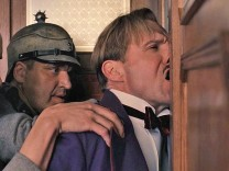 """Ralph Fiennes als Monsieur Gustave in einer Szene von """"The Grand Budapest Hotel""""."""