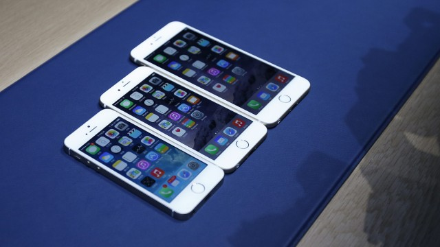 Apple unveils thinner new iPhone 6