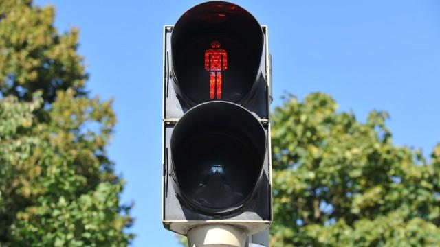 Fußgängerampel mit Rotlicht, 2013