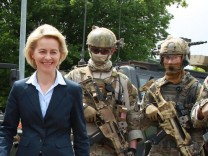 Von Der Leyen Reviews KSK Troops