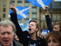 Scottish Referndum Debate Continues As Vote Is Too Close To Call