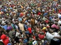 Menschenmasse im Kongo