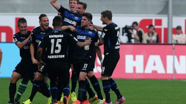 SC Paderborn 07 v Hannover 96 - Bundesliga