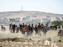 100.000 flüchten vor der IS aus Syrien in die Türkei