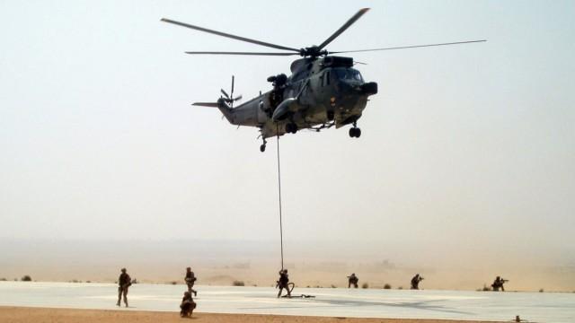 Bundeswehr übt Rettung von Zivilisten in der Wüste
