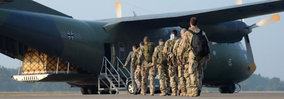 Erste Bundeswehr-Waffenausbilder fliegen in den Irak