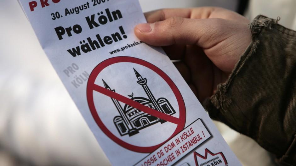 Vorstellung Verfassungsschutzbericht NRW 2008 - Protest
