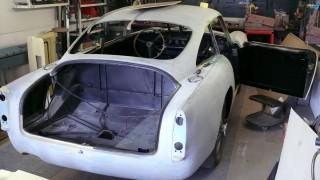 Ein Aston Martin DB6 in der Restauration