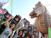 Protestaktion Trojanisches Pferd stoppen!