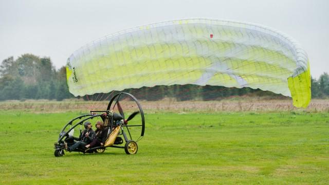 Fliegendes Auto von Fresh Breeze