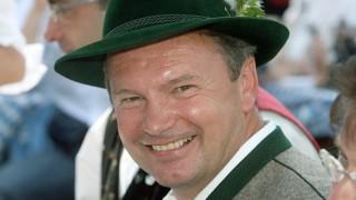 Die Staatsanwaltschaft wirft auch dem Miesbacher Ex-Landrat Jakob Kreidl (CSU) und dem früheren Miesbacher Sparkassenchef Georg Bromme vor, sich auf Kosten der Miesbacher Sparkasse bereichert zu haben.