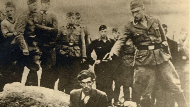 Einsatzgruppen Holocaust Ermordung Juden