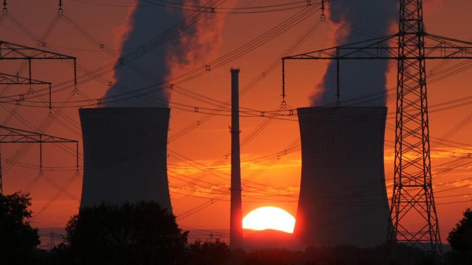 Atomkraftwerk Grafenrheinfeld  Sonnenuntergang