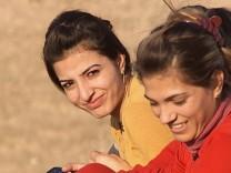 ARTE Reportage: Die verlorene Zeit; Flüchtlingslager Kawergosk, Irak