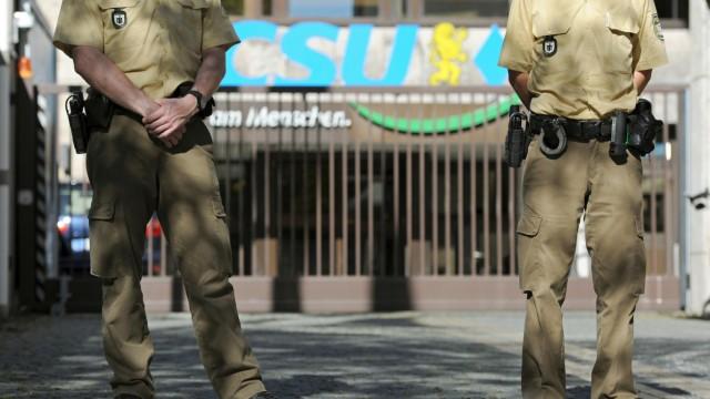 Kurdische Jugendliche dringen in CSU-Zentrale ein