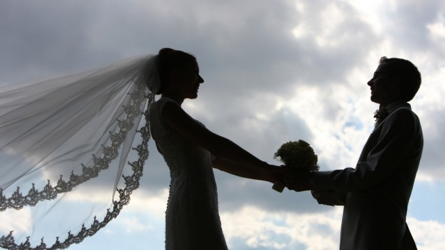 Steuererklärung Finanzamt Steuerbescheid Ehepaar