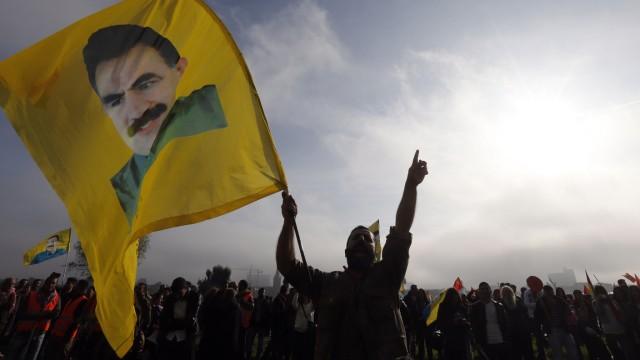 Islamischer Staat Kurdische Großdemo in Düsseldorf