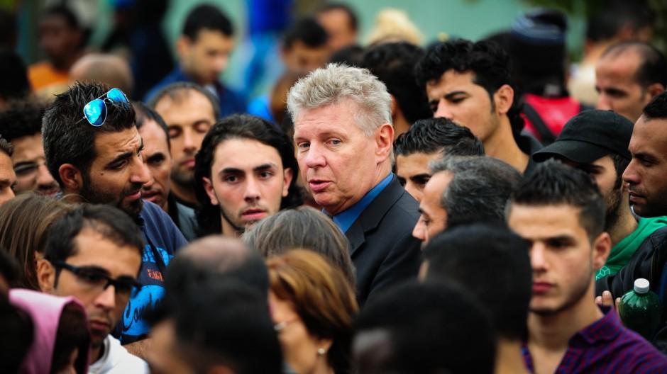 Flüchtlinge in München Überfüllte Flüchtlingsunterkunft