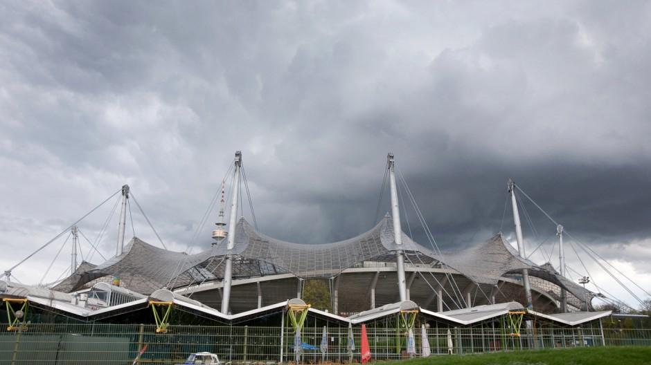 Bahnfahrt Olympiapark (die meisten Bilder sind aus dem fahrenden Zug geschossen)