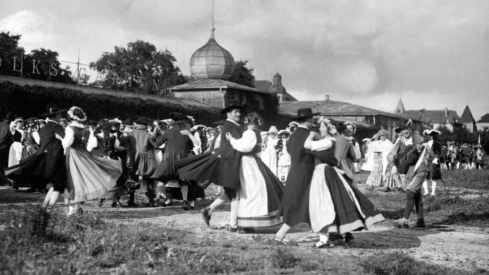 Tanz beim Künstlerfest in München, 1914
