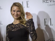 Actress Zellweger waves at the 21st annual ELLE Women in Hollywood Awards in Los Angeles
