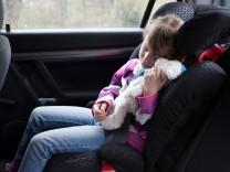 Billige Kindersitze können große Gefahr sein