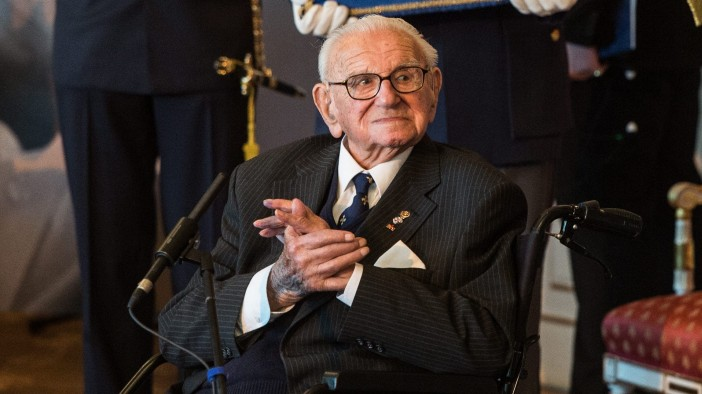 Sir Nicholas Winton Judenretter Holocaust Orden Prag