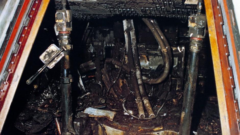 Ausgebrannte Kapsel von Apollo 1
