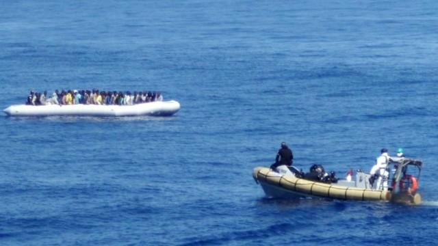 Flüchtlinge Flüchtlinge im Mittelmeer
