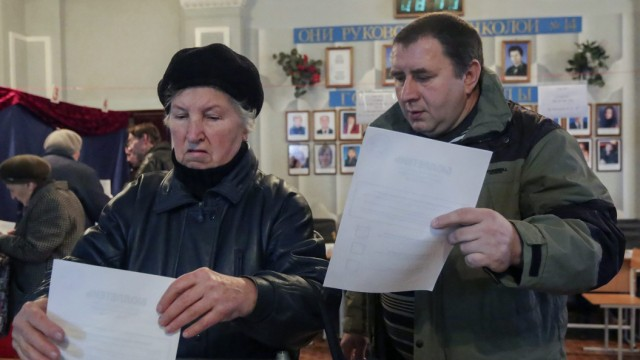 Ukraine separatists hold controversial elections