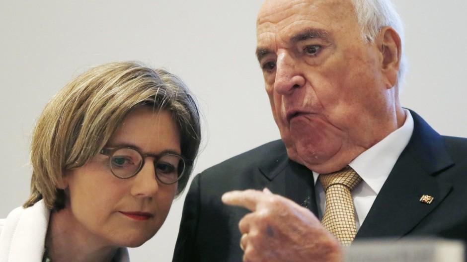 """Helmut Kohl Helmut Kohls Appell """"Aus Sorge um Europa"""""""