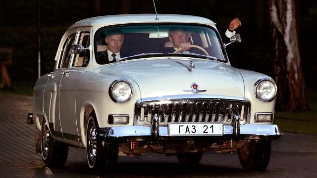 Wladimir Putin und George W. Bush in einem GAZ Wolga