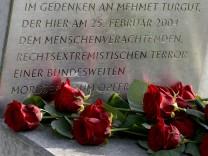 Angehörige von NSU-Opfern besuchen Rostock