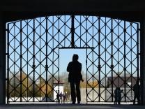 Tür zur KZ-Gedenkstätte Dachau gestohlen
