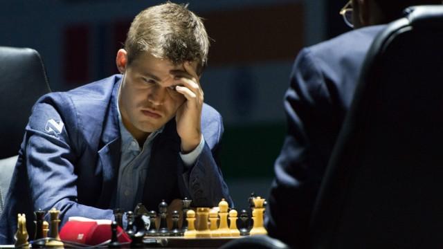 Magnus Carlsen, Vishwanathan Anand