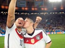 Zwei, die sich besonders lieb haben: Lukas Podolski und Bastian Schweinsteiger