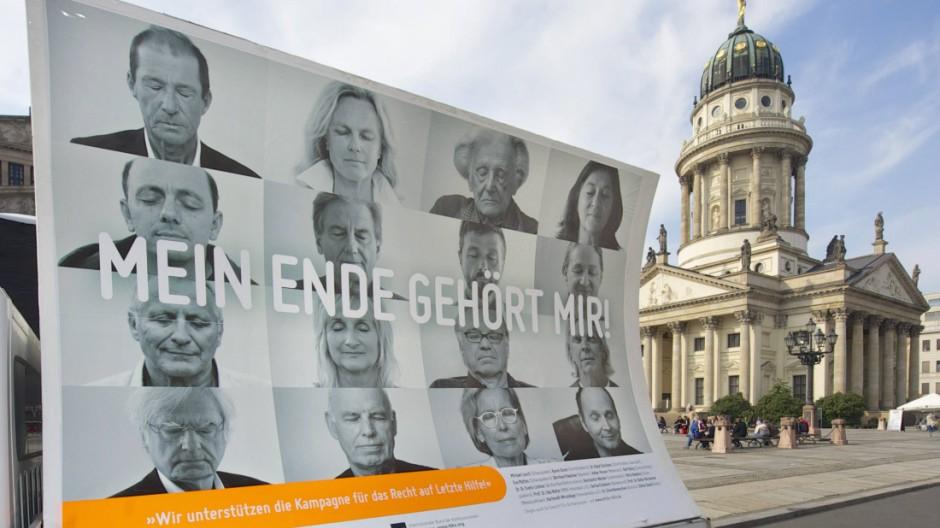 Die atheistische Giordano Bruno Stiftung wirbt seit Montag 06 10 2014 mit rollenden Großplakaten i