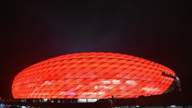 FC Bayern Munchen v AS Roma - UEFA Champions League